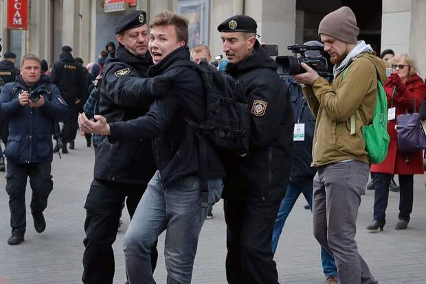 Задержание блогера – ближайшее окружение сливает Лукашенко?