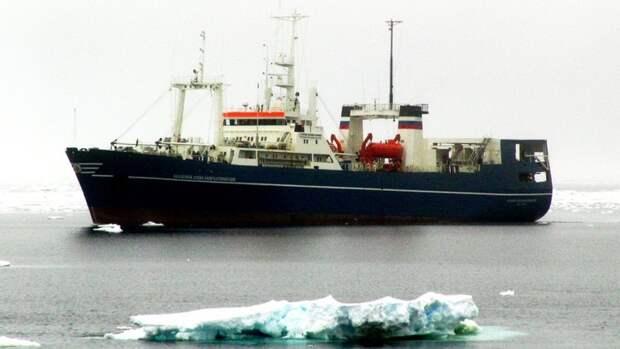 950км нефтегазового шельфа Антарктики исследовал «Академик Александр Карпинский»