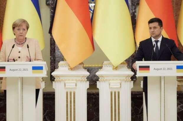 Меркель и Зеленский на пресс-конференции в Киеве, 22.08.21.jpg