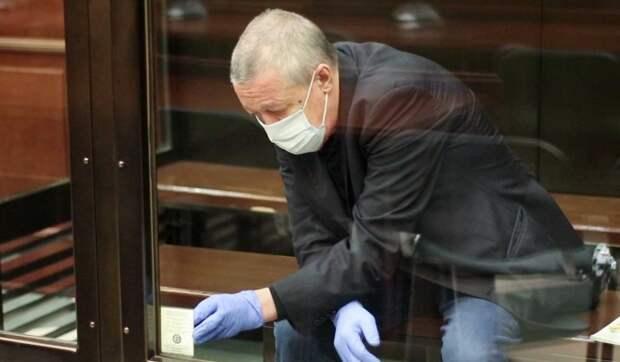 Стремительно ухудшается: состояние Ефремова в тюрьме резко изменилось