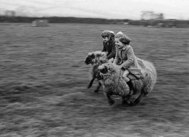 Увлекательные исторических фото, на которых всё не так, как показывают в школьных учебниках (25 фото)