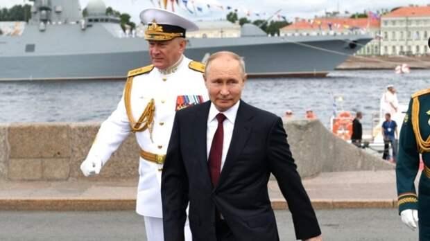 Слова Путина в День ВМФ о военной мощи России заставили британцев понервничать