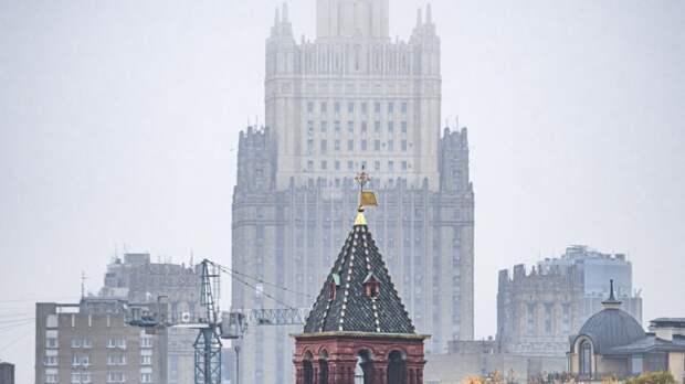 """Вежливый русский ответ Чехии дополнил Баранец: """"Надо стрелять из орудий крупного калибра"""""""