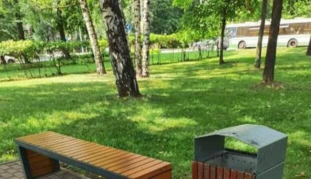 На Череповецкой удалили вандальные надписи с лавочки – «Жилищник»