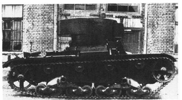 На фото – ХТ-130. Внизу – ведение огнеметания. военная техника, военное, история, много букв, танки, танки СССР, техника, факты
