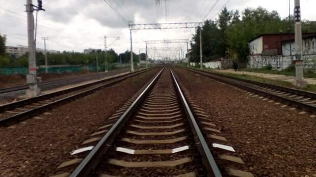 Трагедия на железной дороге: мужчин попал под поезд в Тульской области