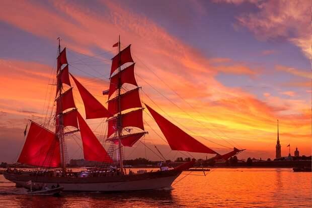 В Севастополе для фрегата «Херсонес» сошьют алые паруса