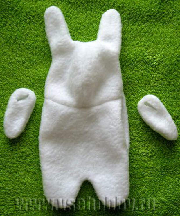 Мягкая игрушка белый кролик