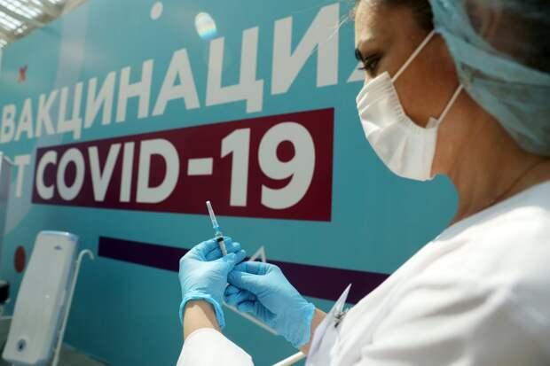 Почему ВОЗ не рекомендует ревакцинацию, а многие страны ее проводят