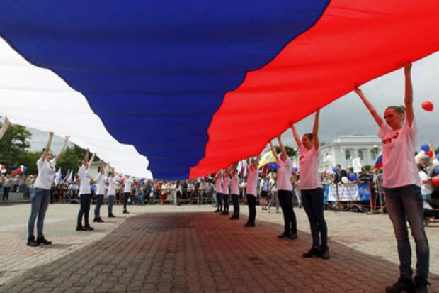 Член ОП предложила Путину перенести День России на 1 июля
