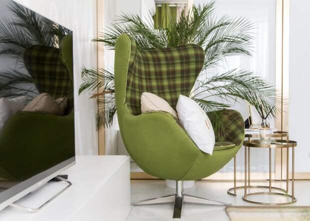 оливковое кресло