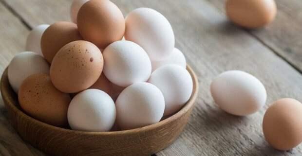 В России вновь дорожают куриные яйца