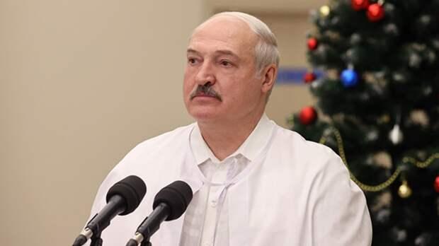 Лукашенко анонсировал белорусскую вакцину от COVID-19