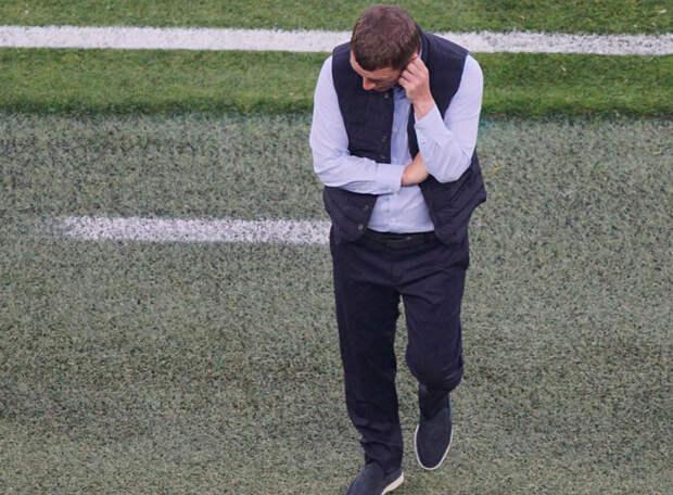 «Уверен, что Ганчаренко покидает ЦСКА - давно пора. Не знаю, что его может спасти. Везите уже иностранца молодого и перспективного, может лучше будет» - эксперт
