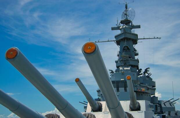 Замдиректора ФСБ рассказал о выдворении корабля британских ВМС из Крыма