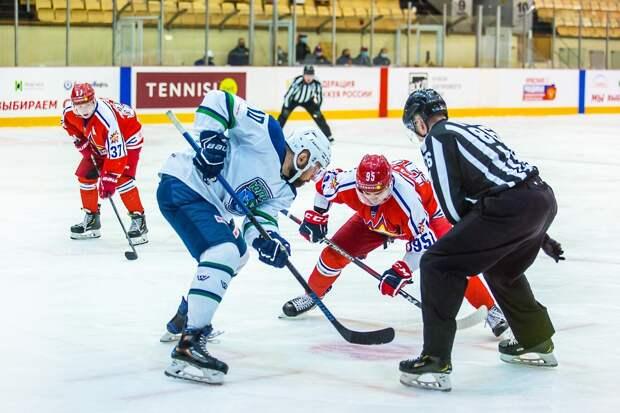 В заключительном матче домашней серии хоккеисты «Ижстали» проиграли с разгромным счетом