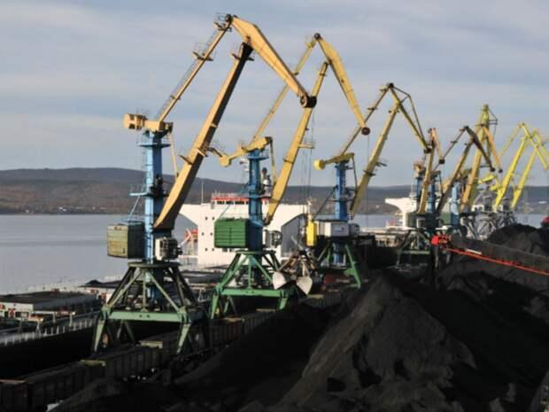 В России сократился грузооборот морских портов