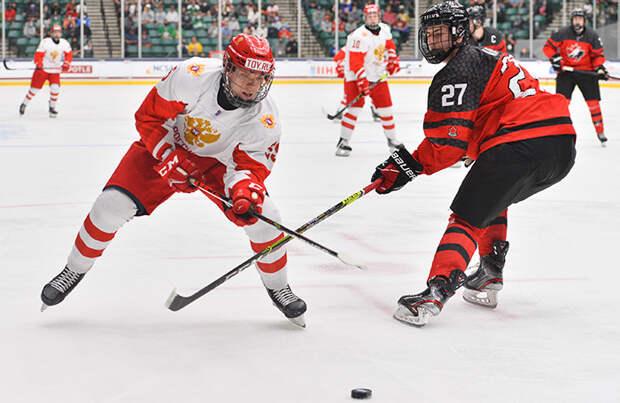 Российские хоккеисты уступили победу канадцам в юниорском чемпионате мира