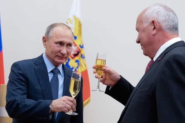 Рейтинг орденоносцев: кого Владимир Путин награждает чаще всего
