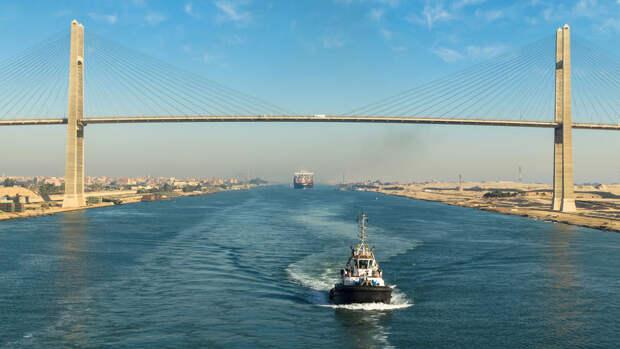 Египет начал расширять Суэцкий канал