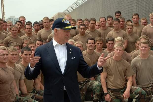 Американские военные выступили против Байдена