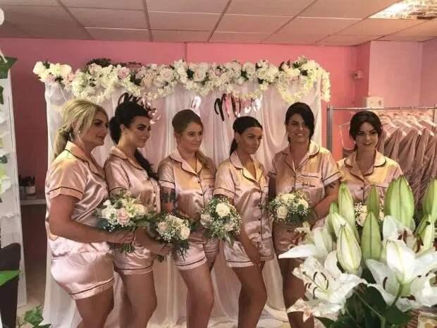 Вот это сюрприз! Мужчина организовал свадьбу в день рождения возлюбленной без ее ведома