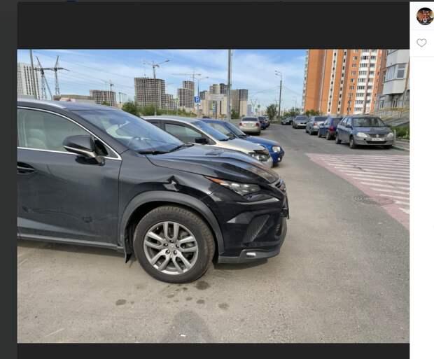 Газель стукнула припаркованное авто на Сочинской