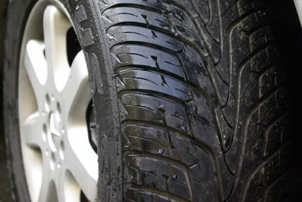 Автолюбителям в Удмуртии посоветовали сменить летнюю резину на зимнюю в ближайшую неделю