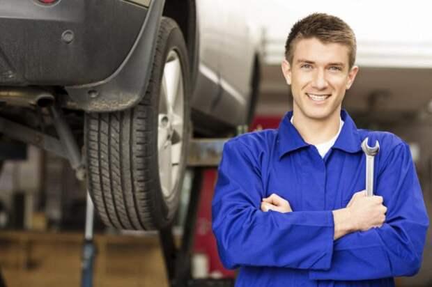 Обслуживать автомобиль можно самостоятельно без участия механиков с СТО.