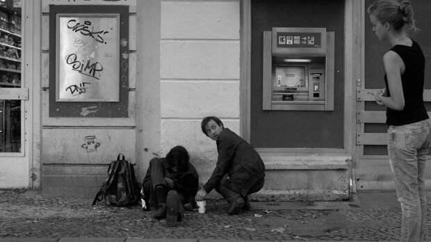 Увидеть Париж и не умереть: 10 фильмов для путешествий на карантине