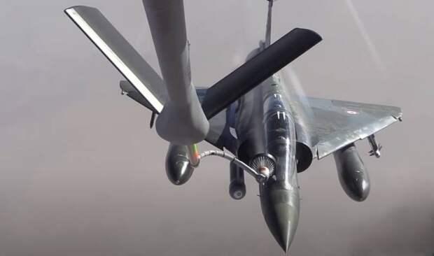 «Бессмысленная операция»: в Sohu оценили появление самолётов Mirage 2000 и KC-135 ВВС Франции у границ РФ