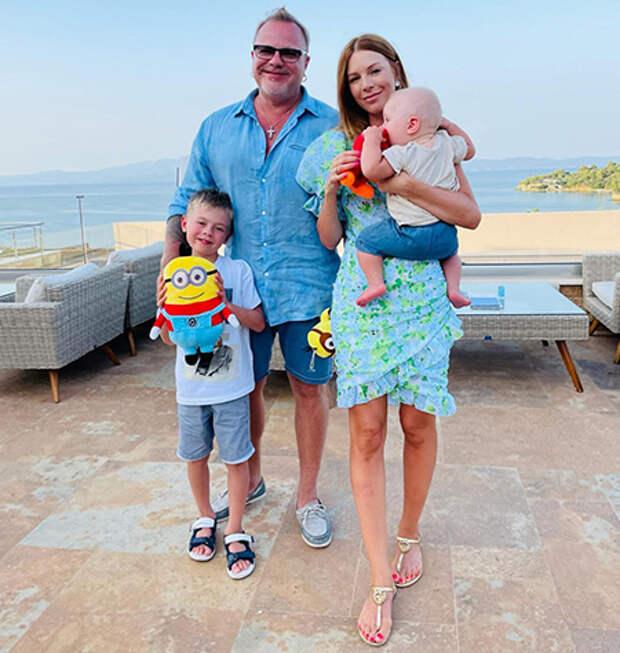 Владимир Пресняков и Наталья Подольская с детьми