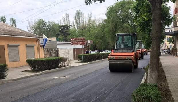 Служба автодорог Крыма – о работах дорожников в Феодосии и Судаке