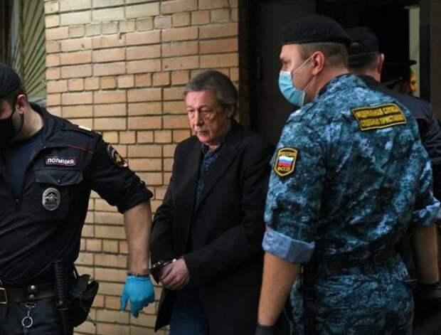 Бывший сотрудник ФСИН рассказал о желающих «подоить» Ефремова