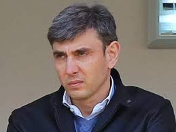 «Сафонов хотел, чтобы ему подняли зарплату – Галицкому надо искать компромисс. Мы же понимаем, что «Зенит», ЦСКА и «Спартак» интересуются» - экспертиза