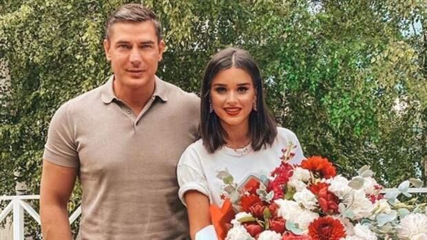 Курбану Омарову отказали в кредите на фоне слухов о разводе с Ксенией Бородиной