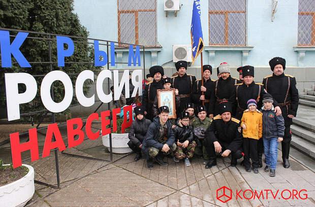 Казаки Союза казаков феодосийского региона с атаманом Борисом Степановым