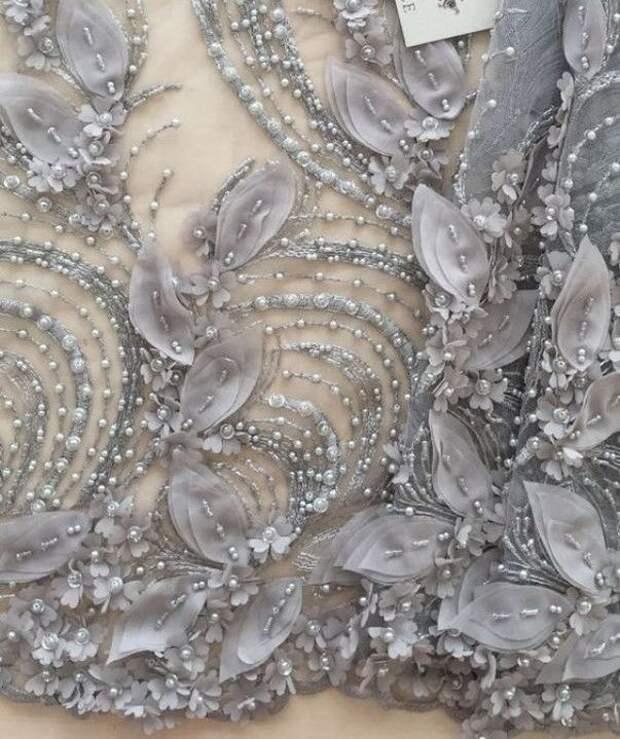 Цветы из ткани в работах дизайнеров и мастеров вышивки, фото № 6