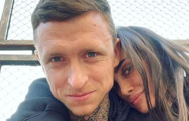Экс-жена Мамаева дала совет его новой возлюбленной