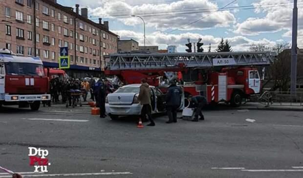 Один из участников ДТП с пожарной машиной в Петрозаводске скончался