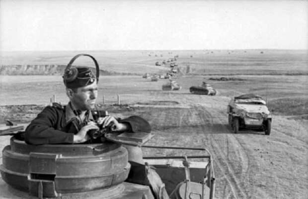 Немецкая танковая колонна