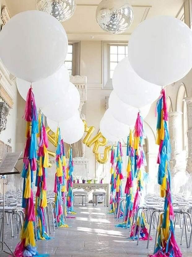 30 вдохновляющих идей с воздушными шарами для свадебных торжеств