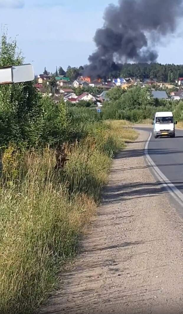 В Ижевске горят бараки