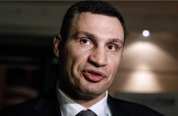 Кличко заявил, что целью правоохранителей была именно его квартира, и обвинил ОП в давлении на столичную власть