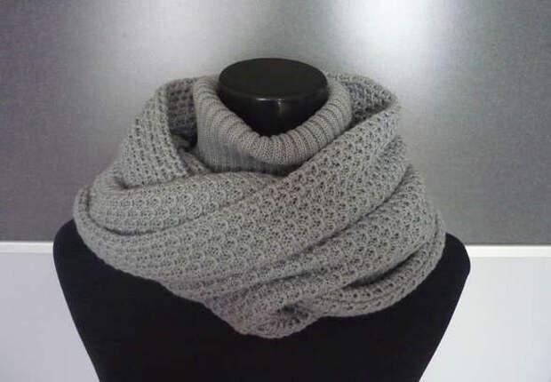 Теплый и оригинальный шарф-капюшон с воротом спицами