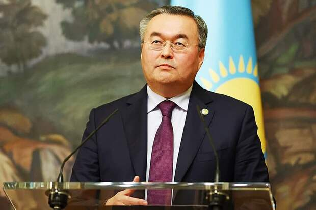 В Казахстане аплодируют планам американского посла по отрыву республики от России