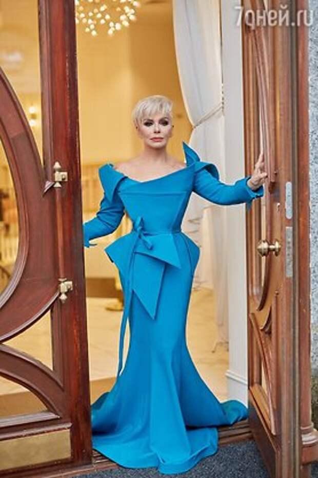 67-летняя Ирина Понаровская похвасталась идеальной фигурой