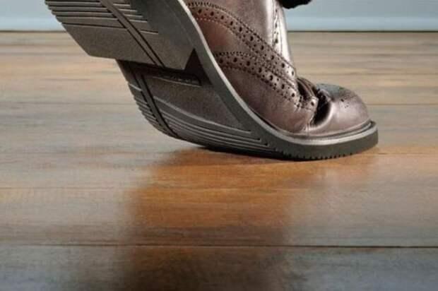 Что делать, если обувь скрипит при ходьбе