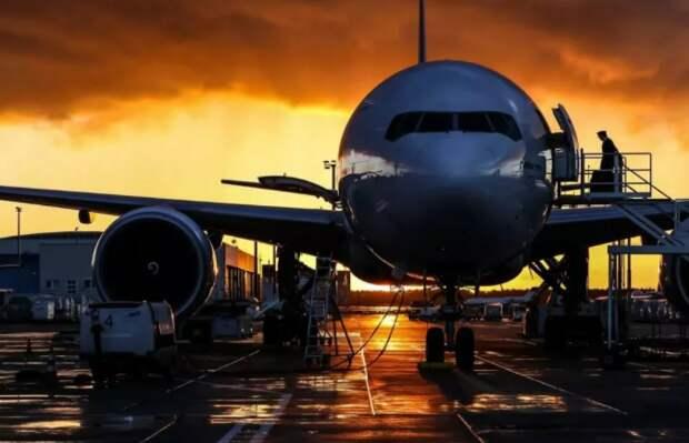 Пассажиропоток авиакомпаний РФ в январе-феврале снизился на 37,8%, в феврале - на 37,4%