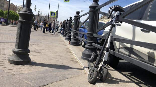 Правоохранители обыскивают офисы крупных сервисов аренды самокатов в Петербурге